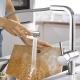 Смесител за кухня GROHE Minta с L чучур, издърпващ се душ с 2 функции